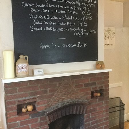 Burley, UK: A pleasant location and tasty lunch.