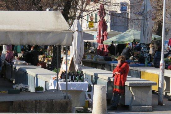 Trogir, Croacia: 青空市場