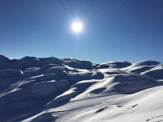 Bohinjsko Jezero, Slovenien: Vogel ski resort in glorious sunshine, after 40cm of powder snow - idyllic!