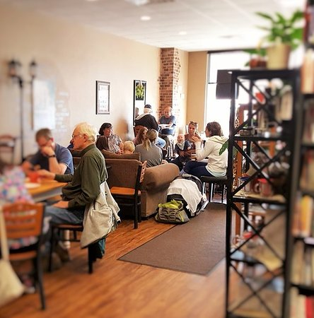 Shawano, WI: Great place to meet up with friends or family.  Kids are welcome!