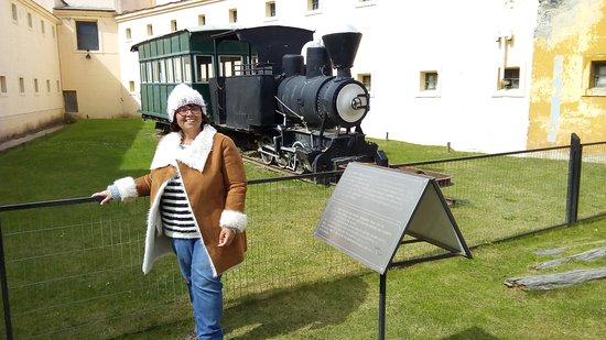 Locomovil: locomotora que traladaba a los presos
