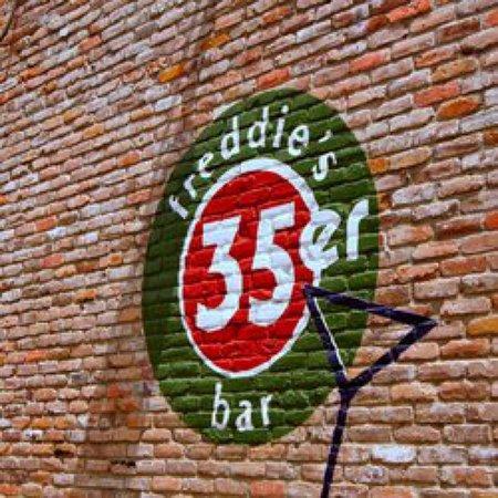 Pasadena, Kalifornien: 35er Bar