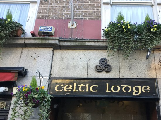 Celtic Lodge Guesthouse: Beautiful sign