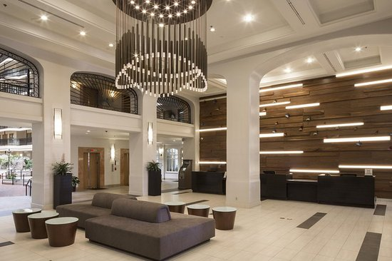 Embassy Suites by Hilton Anaheim North: Lobby