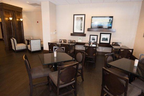 Hampton Inn Carlstadt-At The Meadowlands: Restaurant