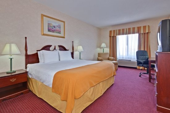Brookville, OH : Guest room