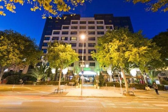 Holiday Inn Nice: Exterior