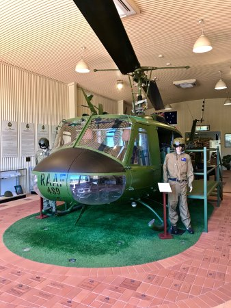 Port Pirie, Австралия: The Huey on display at the Museum