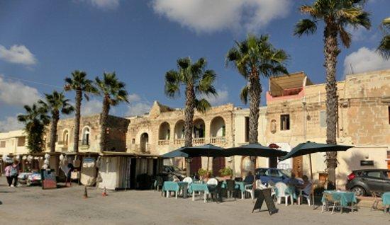 Marsaxlokk, Malta: 街もキレイです