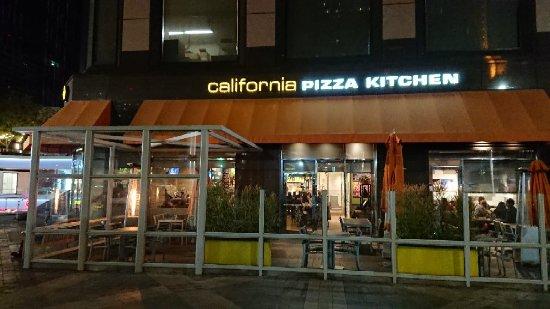 California Pizza Kitchen Wilshire Santa Monica