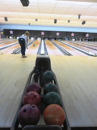 Fun family bowling at AMF Wellingborough (02/Feb/2018).