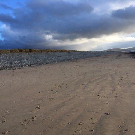 Dinas Dinlle Beach: photo0.jpg