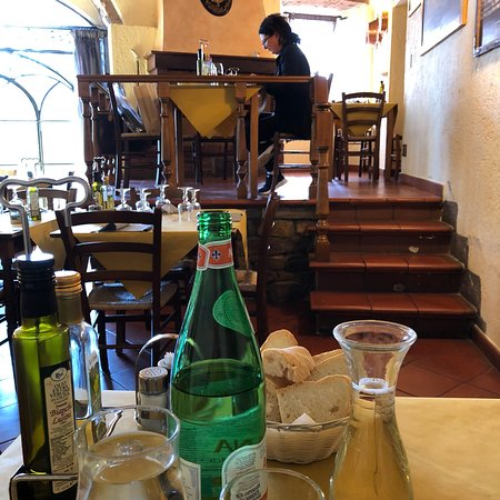 Cacio e vino: photo0.jpg
