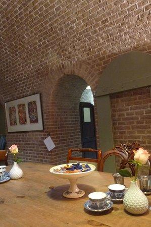 Woudrichem, The Netherlands: dit is binnen in het restaurant er is een gezellige sfeer