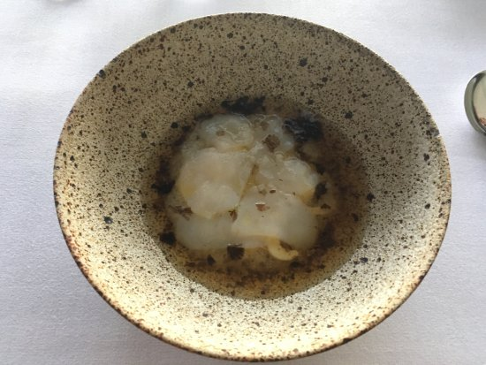 Quay Restaurant: Congee, scallops, heart of palm, black vinegar laver. Boring and Blend