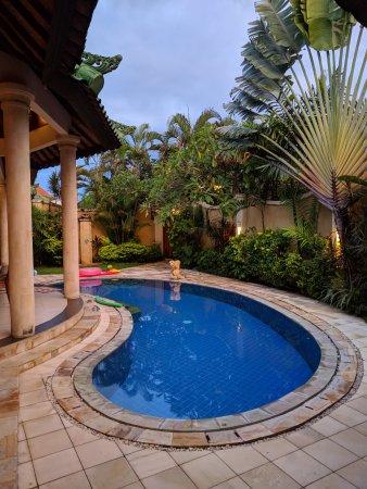 Emerald Villas: The pool in Villa E2