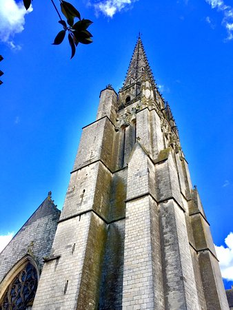 Fontenay-le-Comte, فرنسا: L'église Notre-Dame est classée depuis 1862