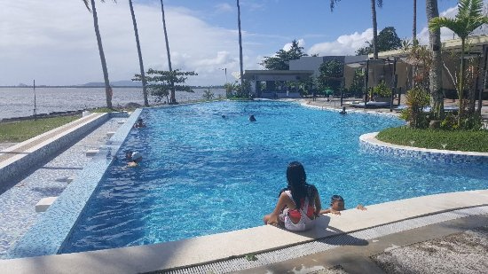 Palo, Philippines: 20180218_093258_large.jpg