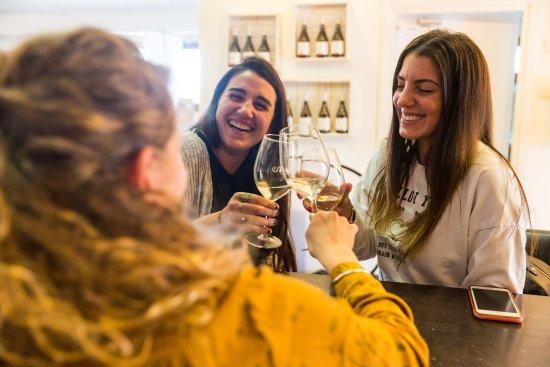 קרית טבעון, ישראל: Home is where the wine is 