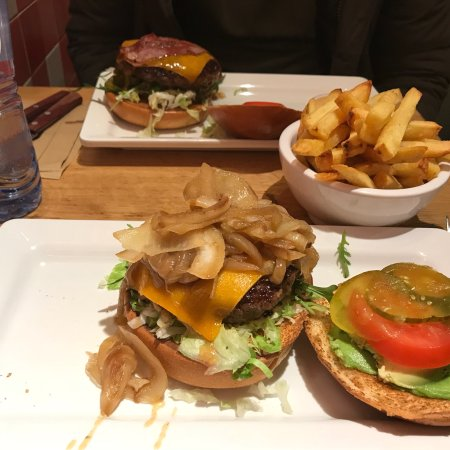 Burger Bar Utrecht - Photos & Restaurant Reviews - Order