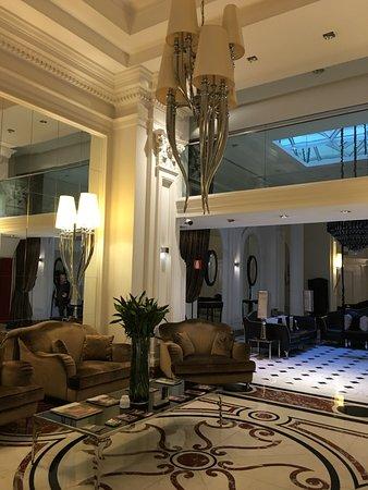 Leon's Place Hotel: la hall è suggestiva