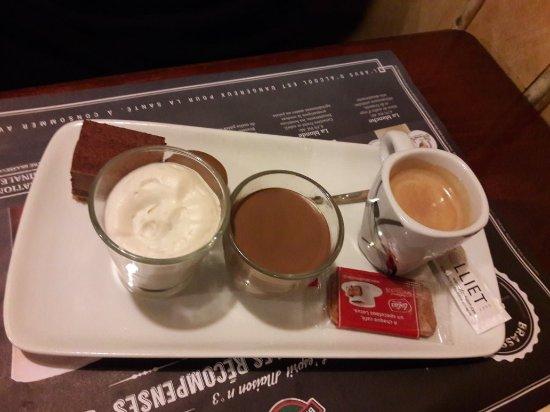 Le Grand-Quevilly, France: Café gourmand