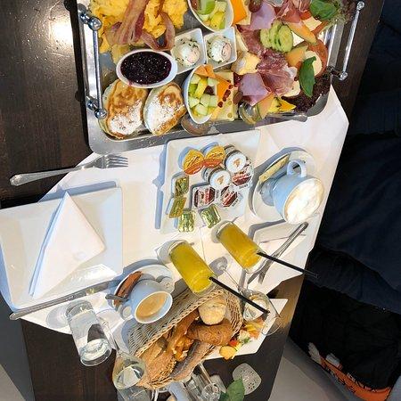 Frühstück St. Tropez - sehr lecker und reichhaltig