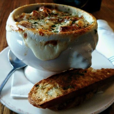 Libertyville, IL: Honestly the best French onion soup EVER! Love this place!!!