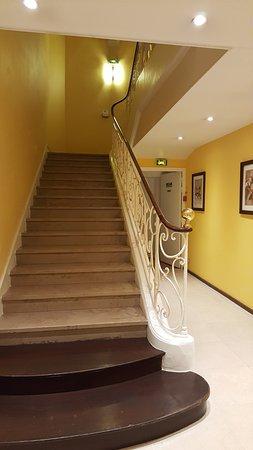 Best Western Hotel Crystal: Escalier principal