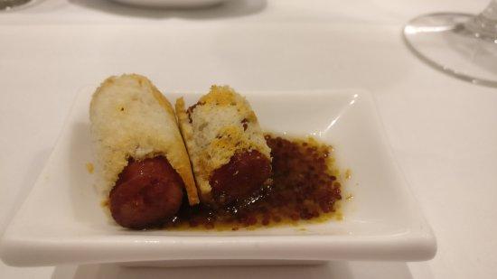 Igueldo : Chistorra con salsa de mostaza y miel, espectacular