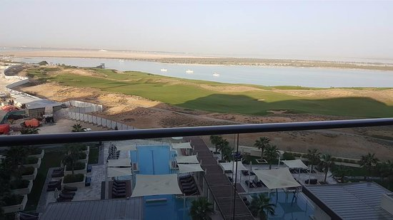 Crowne Plaza Abu Dhabi - Yas Island Photo