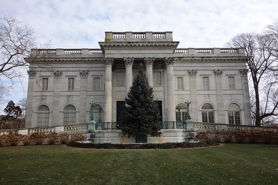 Marble House : View from front lawn