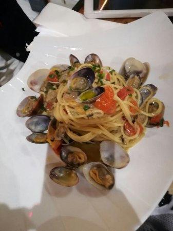 Cesano Boscone, Italia: Spaghetti alle vongole