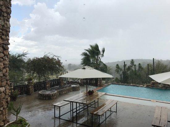 Оутджо, Намибия: A dramatic rainstorm at Sasa Safari Camp