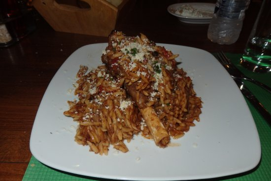 Romeos Restaurant: Juvetsi (traditional Greek dish) with Romeos own twist