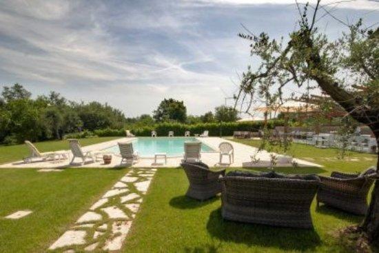 Il soggiorno della suite - Picture of La Camilla Country House ...