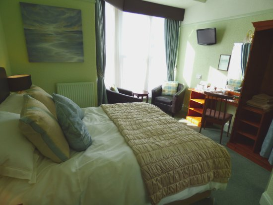 Phenomenal Room 6 King Size Bed Bay Window Seats Picture Of The Download Free Architecture Designs Viewormadebymaigaardcom