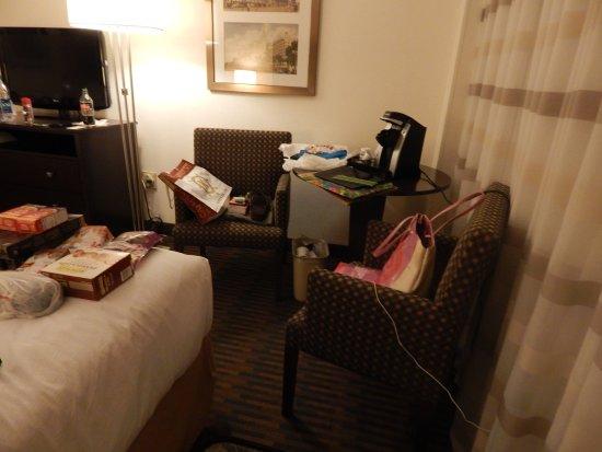 Holiday Inn Port of Miami Downtown: Enorme habitación standard