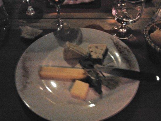 Mantes-la-Jolie, Frankrig: Assiette de fromage