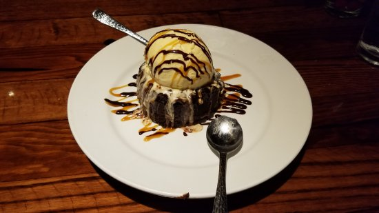 Bolingbrook, IL: My sweet tooth was extremely satisfied with this delight.