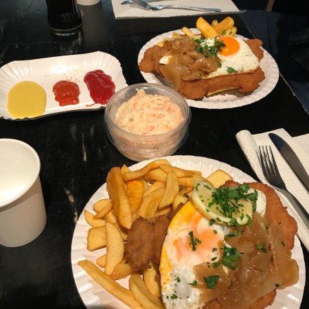 scheers schnitzel berlin friedrichshain restaurant reviews phone number photos tripadvisor. Black Bedroom Furniture Sets. Home Design Ideas