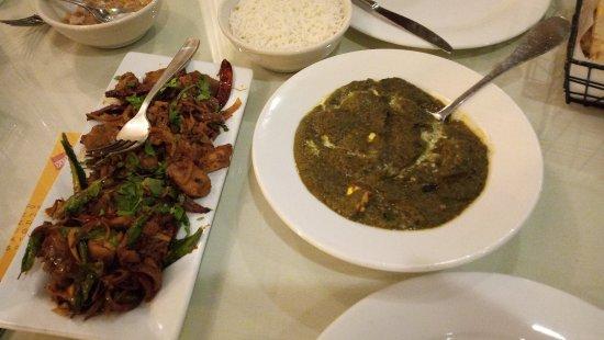 Wheeling, IL: Palak Paneer, Chicken dish