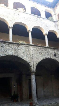 Traona, Italie : chiostro