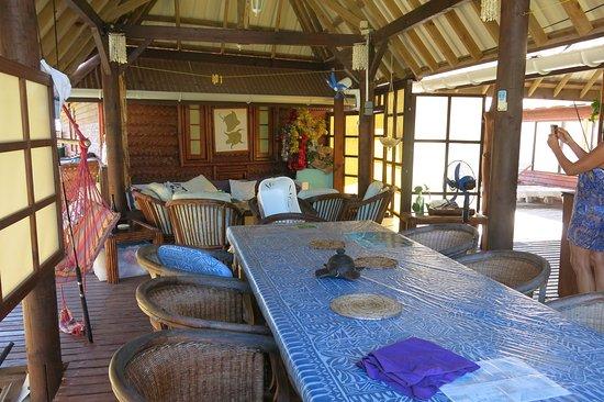 Vahaui Paradis : salle à manger pour les grands rassemblements