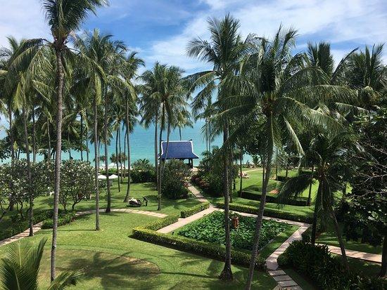 Centara Grand Beach Resort Samui Photo
