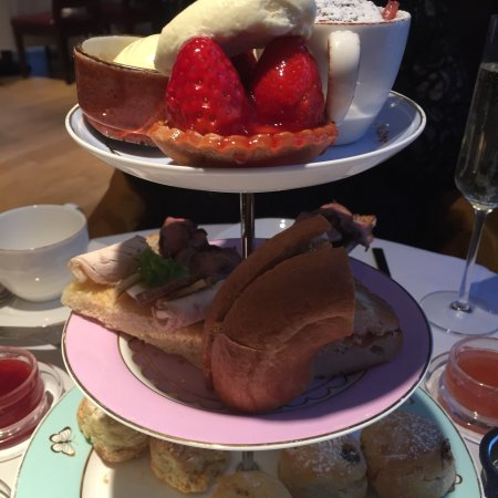 Tea Rooms Nr V A London
