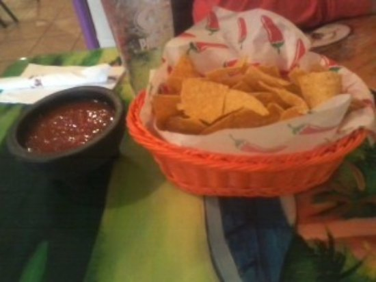 Seymour, WI: Awesome Chips and Salsa
