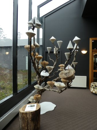 Cradle Mountain Hotel: Sculpture installation at Gallery
