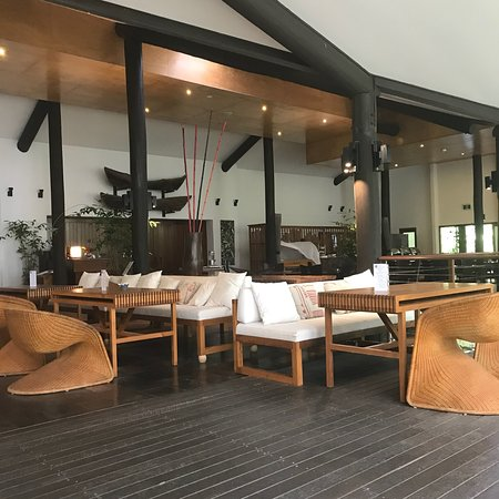 Kewarra Beach Resort & Spa: Pool, reception and breakfast