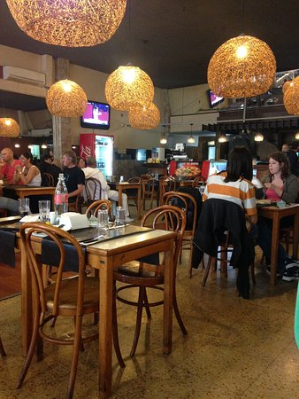 Resto yi montevideo restaurant bewertungen for 18 8 salon reviews